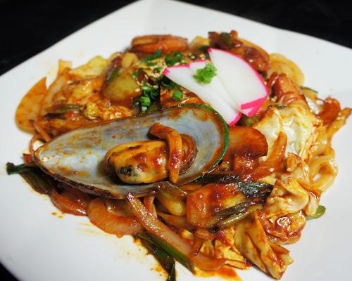 SPICY SEAFOOD YAKI UDON